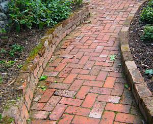 Garden topics path types Types of pathways in landscaping